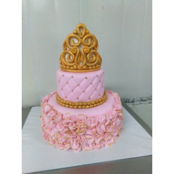 Crown Theme Cake