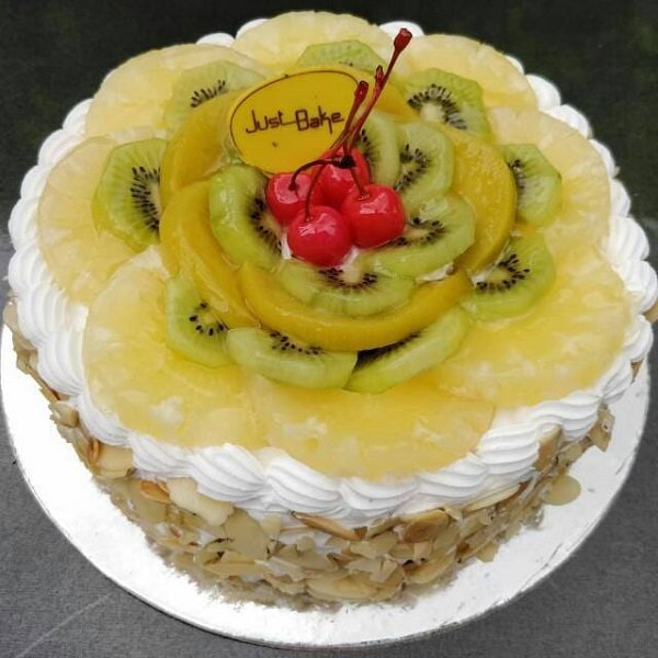 Fresh Fruit Gateaux Large Cake In Hyderabad Buy Cakes Online In