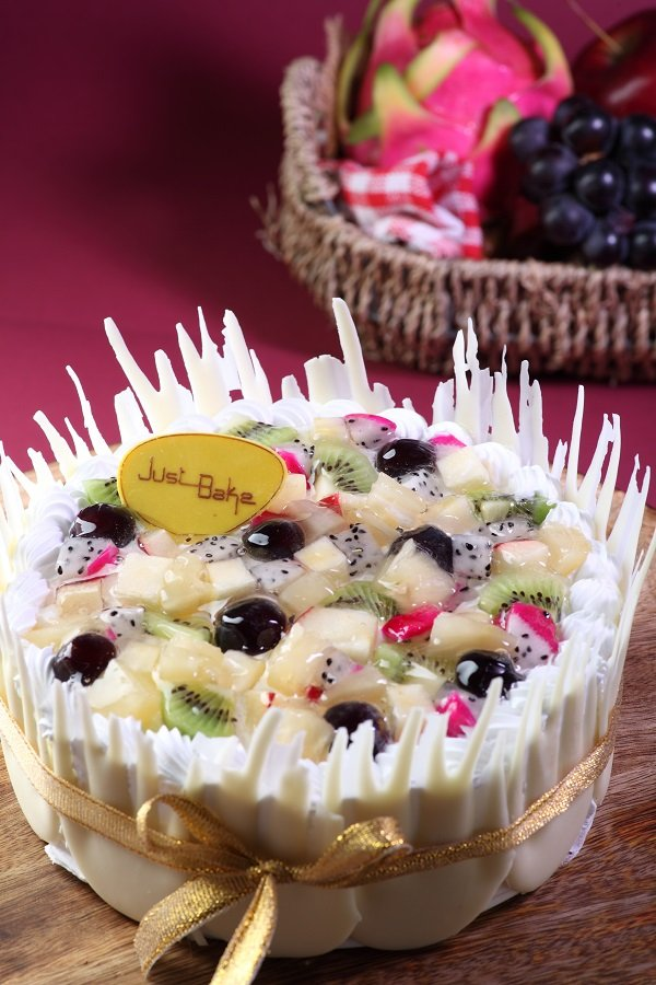 Fresh Fruit Gateaux Small Cake