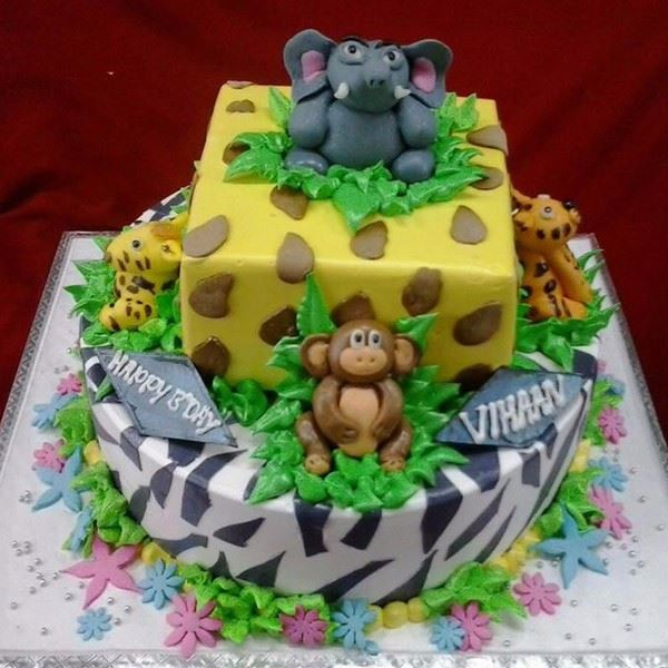 Home Theme Cakes Jungle Cream Fondant Cake