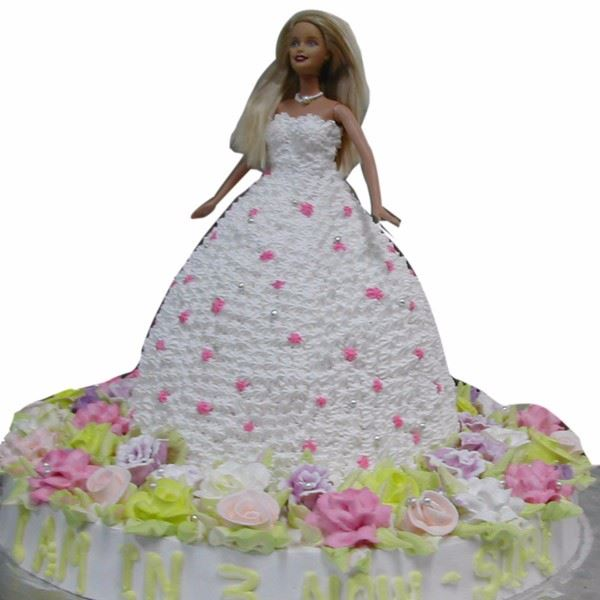 White Fluffy Gown Doll Theme Cake