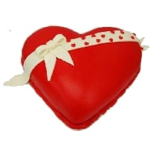 Heart Shape Valentines Day Cake RH DE43