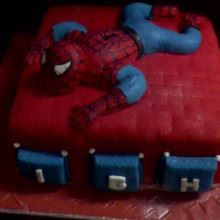 Spiderman On Move Fondant Cake