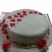 Stream Of Hearts Cake
