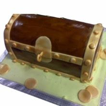 Treasure Chest Fondant Cake