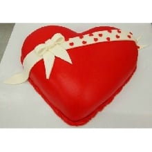 Valentines Day Cake 10 Cream_Fondant