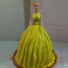 Yellow Grace Fondant Cake